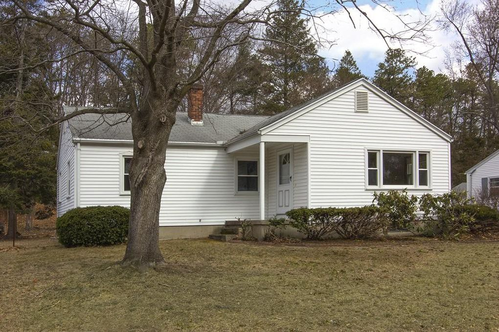 36 Valley Rd Springfield, MA 01119