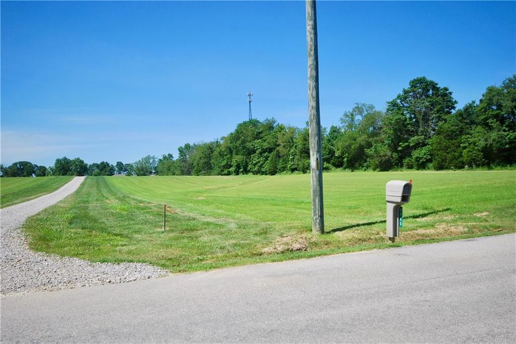 W 225 Rd Lot 4 Columbus, IN 47201