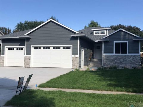 Photo of 1012 S Parkview Blvd, Brandon, SD 57005