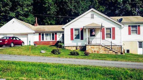 60 Oak St, Craigsville, VA 24430
