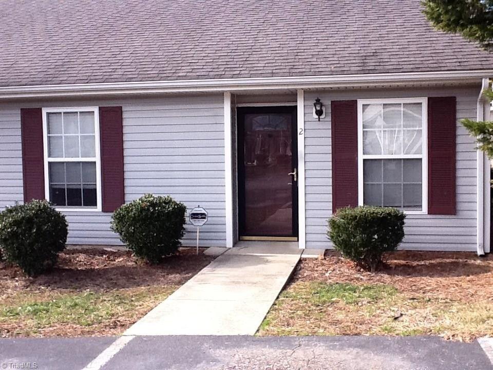 2 Treeble Ct Greensboro, NC 27406
