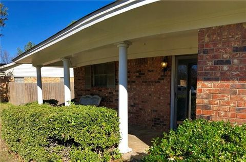 3017 Choctaw Rd, Commerce, TX 75428