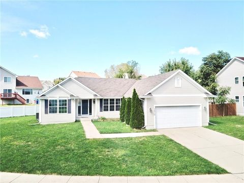 Photo of 2610 Moonlight Dr, Des Moines, IA 50320