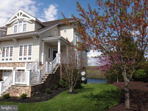 8707 Lake Edge Dr, Laurel, MD 20723