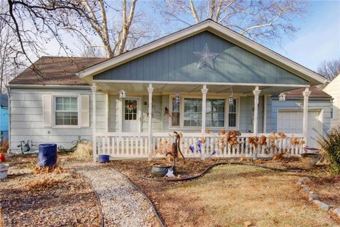 3402 S Home Ave, Independence, MO 64052