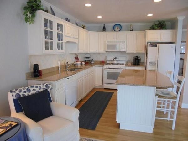 4 Periwinkle Ct, Bourne, MA 02532