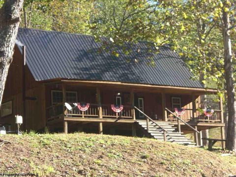 3011 Crooked Run Rd, Alum Bridge, WV 26321