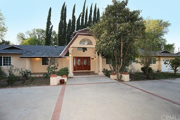 8353 White Oak Ave Northridge, CA 91325
