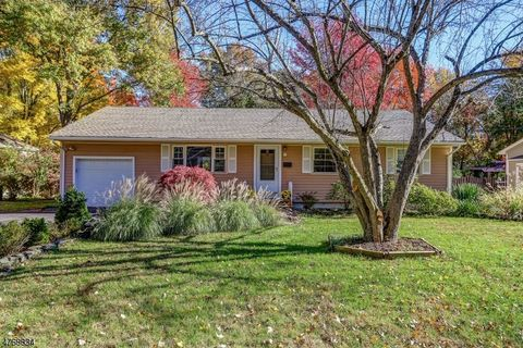 Photo of 79 Cromwell Ct, Berkeley Heights Twp, NJ 07922