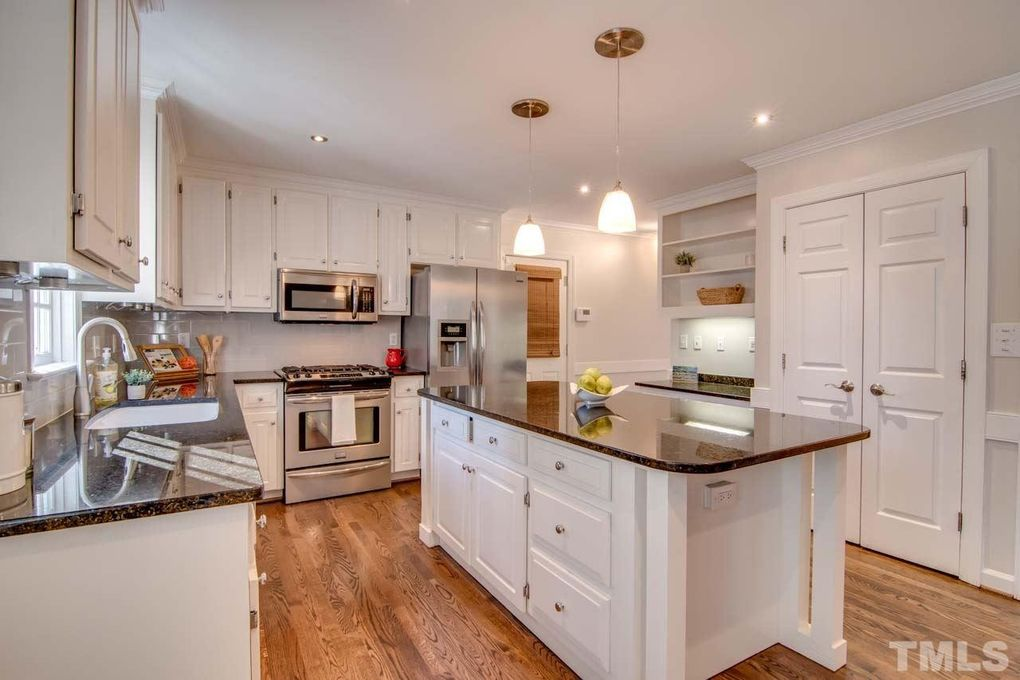 1252 Falmouth Ct, Chapel Hill, NC 27517