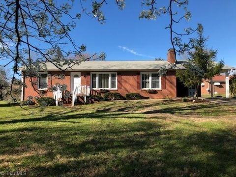 117 Walnut St, Boonville, NC 27011