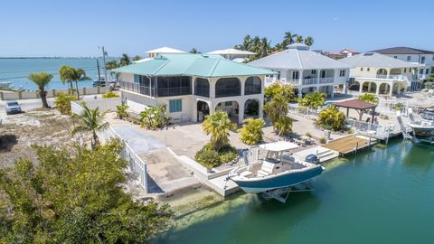 Photo of 953 Flagship Dr, Summerland Key, FL 33042