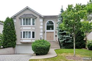 34 w bayview ave englewood cliffs nj 07632 home for for 5 clifton terrace winchester b b