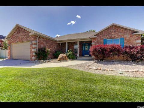 Admirable Moab Ut Real Estate Moab Homes For Sale Realtor Com Home Interior And Landscaping Spoatsignezvosmurscom