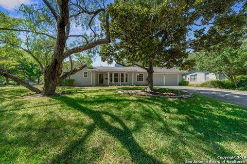 2926 Woodcrest Dr, San Antonio, TX 78209