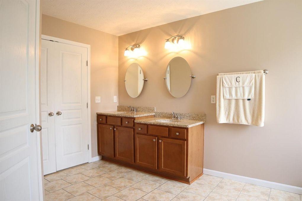 6611 Thistle Grv, Hamilton Township, OH 45152 - Bathroom