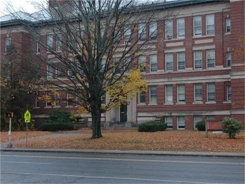 Photo of 1146 Main St, Manchester, CT 06040
