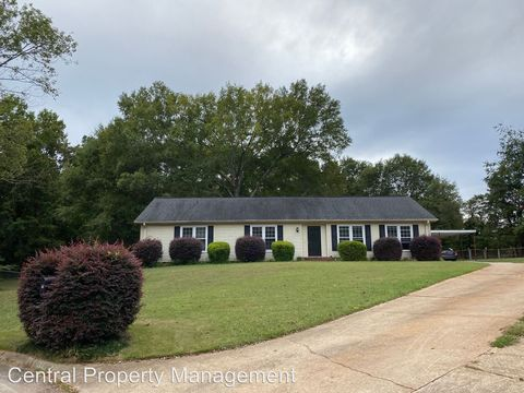 Photo of 106 Governors Ct, Greer, SC 29650