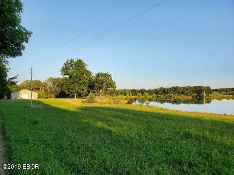 17258 N Clear Ln, Mount Vernon, IL 62864