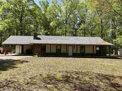 9506 Shaklee Trl, Pine Bluff, AR 71603