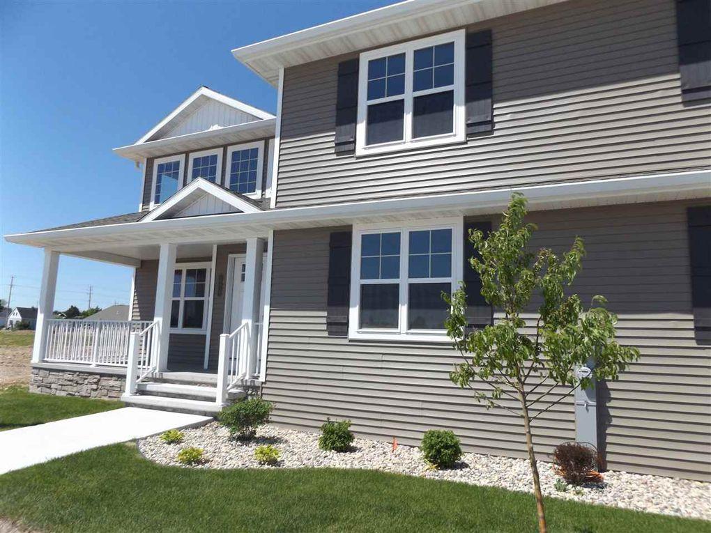314 Red Cedar Pkwy, Kimberly, WI 54136