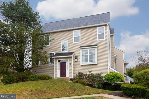 Photo of 481 Lake George Cir, West Chester, PA 19382