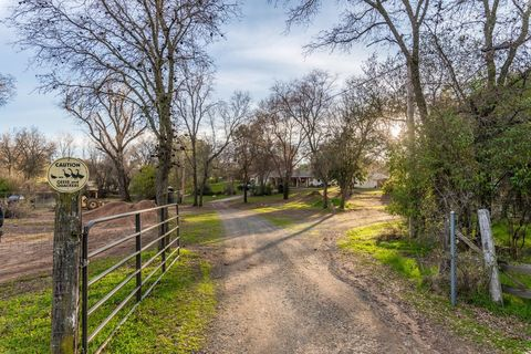 Photo of 2755 Mohammed Ln, Newcastle, CA 95658