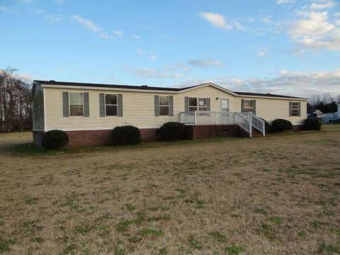 3711 Pridgen Rd, Rocky Mount, NC 27803