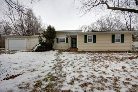 Photo of 1316 N Lock Raven Rd, Champaign, IL 61821