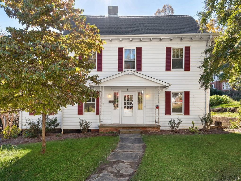 25 Montview Dr, Asheville, NC 28801