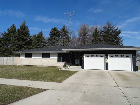 janesville wi houses for sale with 2 car garage realtor