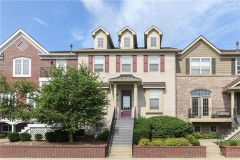 Photo of 108 Manchester Dr, Zionsville, IN 46077