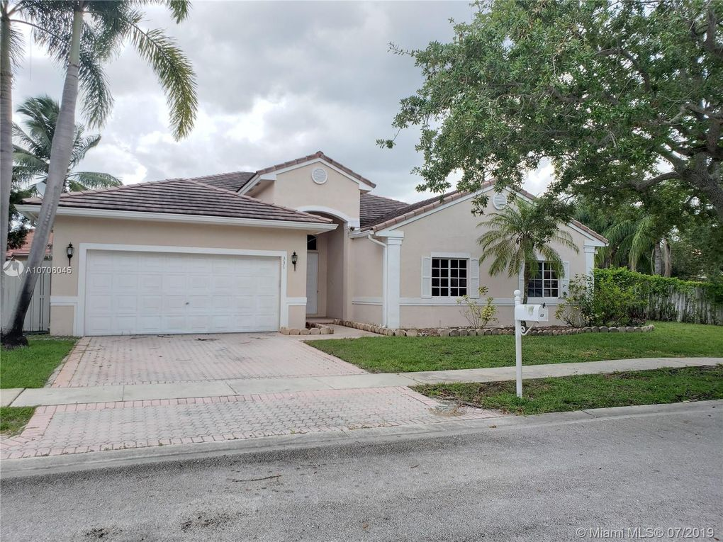 337 SW 185th Ter Pembroke Pines, FL 33029