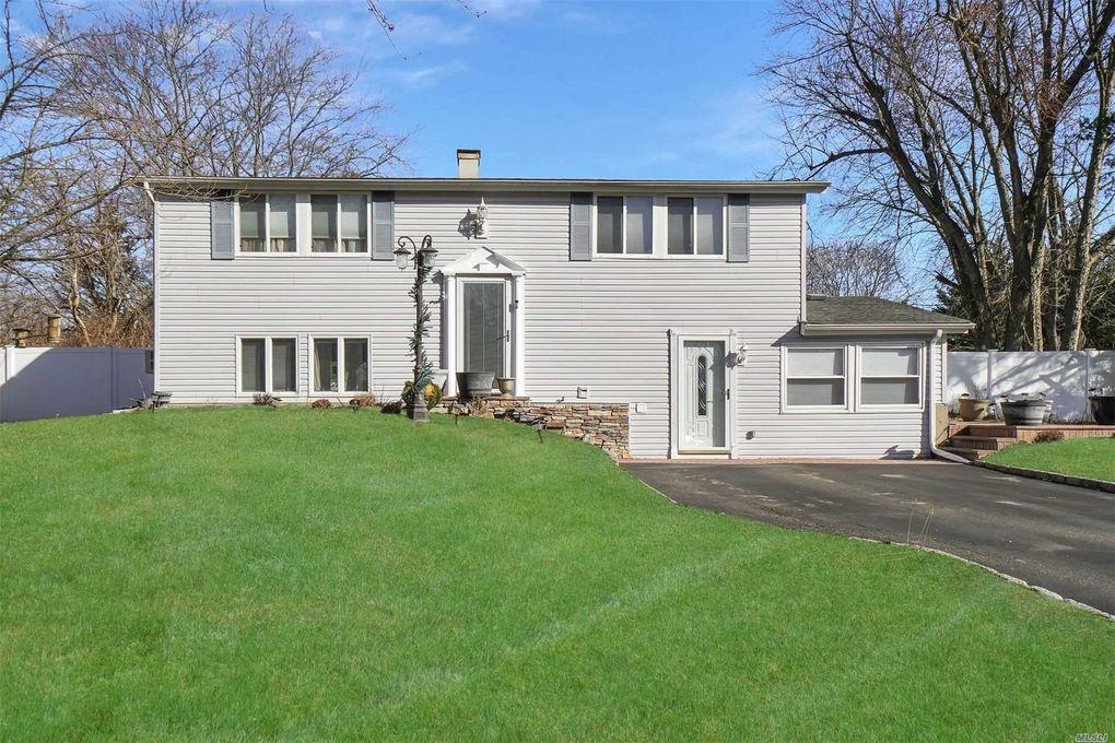 7 Ivy League Ln Stony Brook, NY 11790