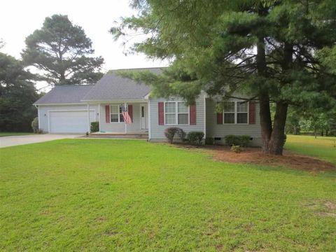 150 Arrow Wood Rd, Whispering Pines, NC 28327