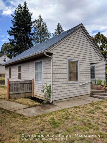 Photo of 224 Cherry St, Silverton, OR 97381