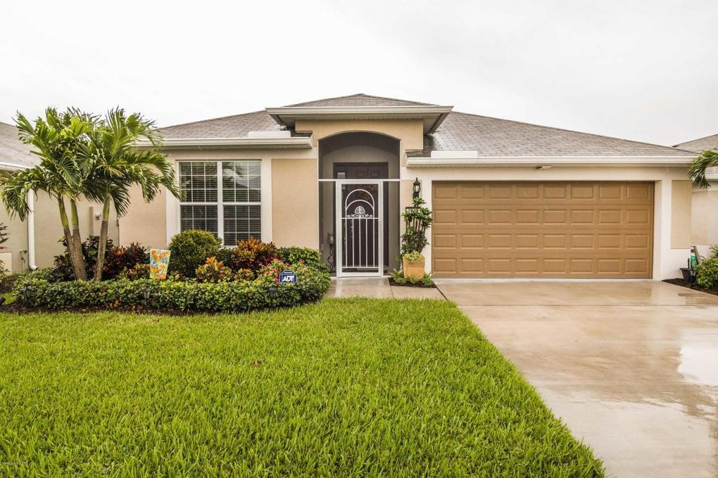 1316 Hubbard Ct Se, Palm Bay, FL 32909