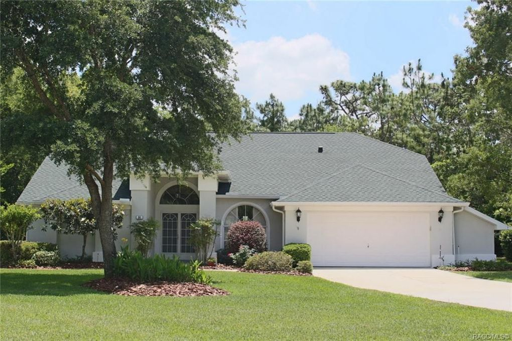 94 Oak Village Blvd S Homosassa, FL 34446