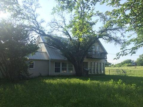 612 Chestnut St, Hico, TX 76457