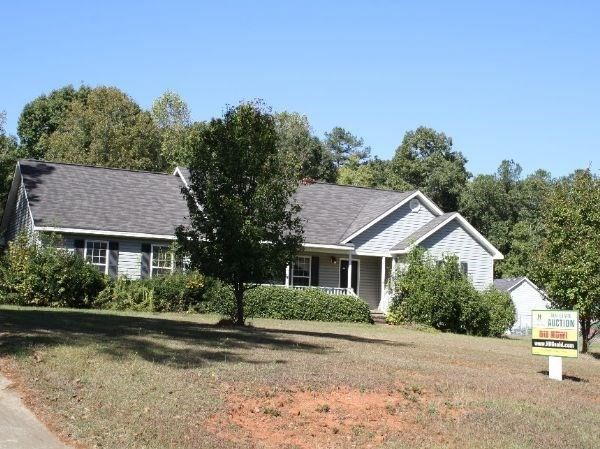 Homes For Sale On Oakview Cir