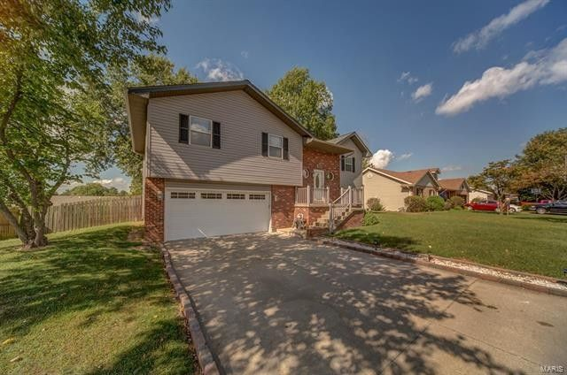 532 Whip Poor Will St, Troy, IL 62294