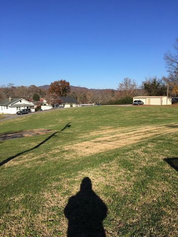 Photo of 603/605 Rochester Ave, Middlesboro, KY 40965