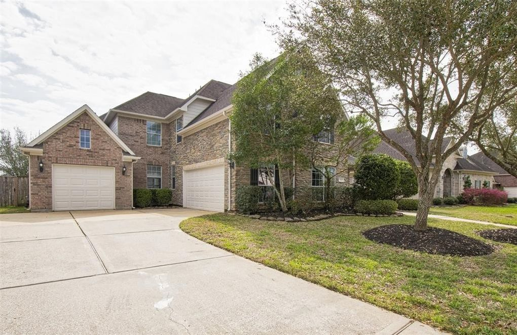 304 Grand Creek Dr, League City, TX 77573
