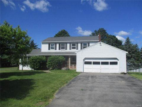 4969 Elgin Cir, Syracuse, NY 13215
