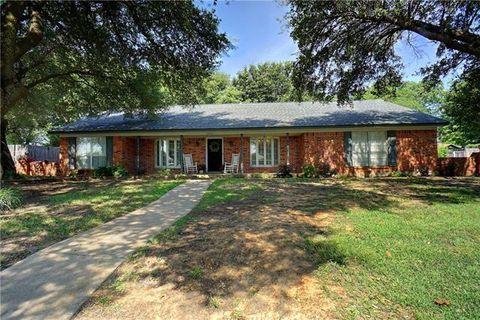 Photo of 6409 Sunnybrook Dr, North Richland Hills, TX 76182