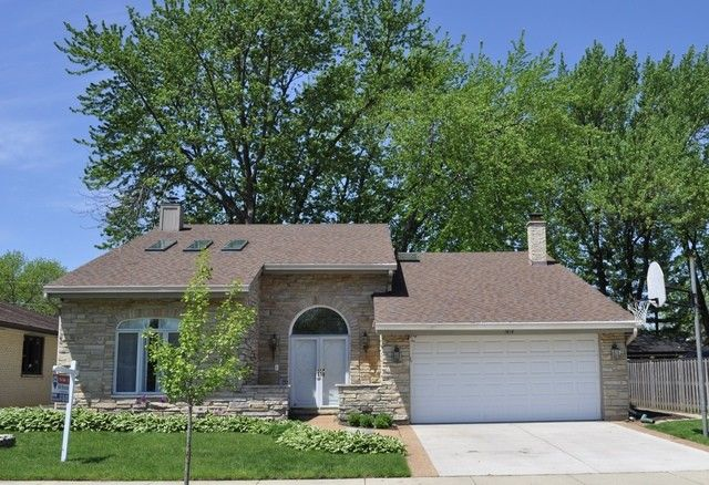 1414 N Mitchell Ave Arlington Heights, IL 60004
