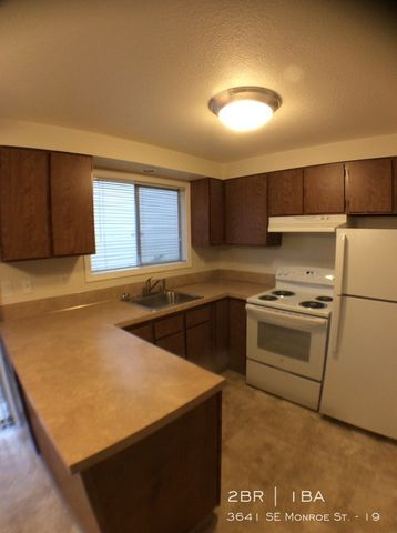 Photo of 3641 Se Monroe St Apt 19, Milwaukie, OR 97222