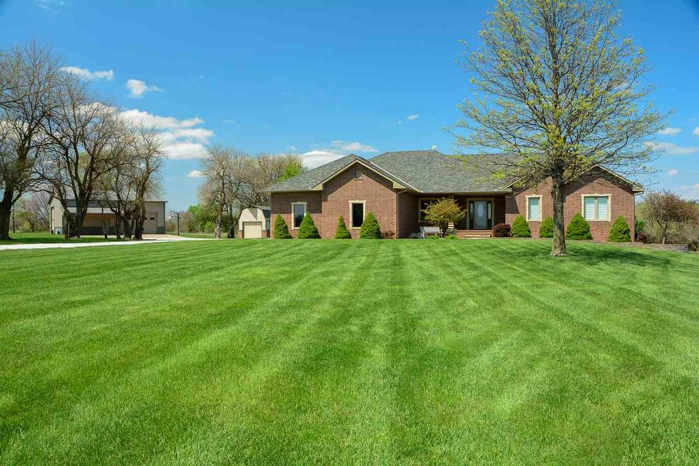 30010 W Deerwood Cir Garden Plain, KS 67050