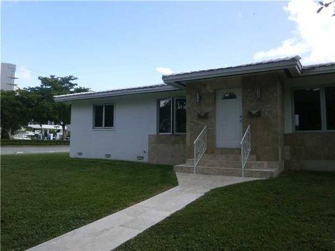 200 Velarde Ave, Coral Gables, FL 33134