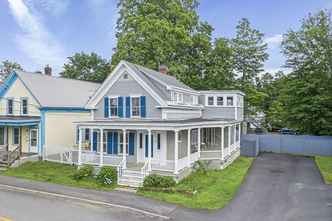Photo of 6 Catherine St, Rochester, NH 03867
